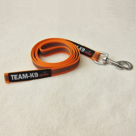 dog leash, dog leashes, orange dog leash, dog training, quality dog leash, IPO, TEAM-K9, textil wide rubber, mississauga, ontario, oakville, brampton, toronto, GTA fabric rubber leash Fabric Rubber Leash 20 mm Short – No Handle Leash TEAM K9 Textil Wide Rubber No handle Orange 480x479